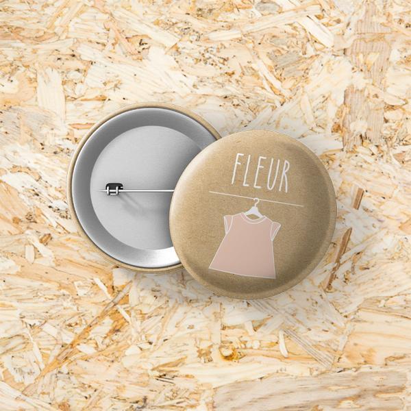 Button speld 37 mm kledinglabel meisje